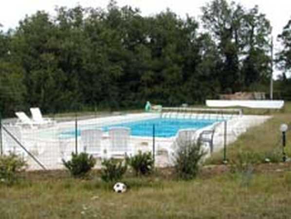 Avis chambres d 39 hotes pas cher a saint simon figeac avec for Camping figeac avec piscine