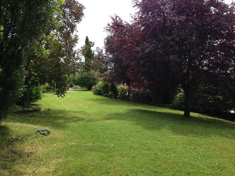 Contrat l 39 ann e entretien jardin for Entretien parc et jardin