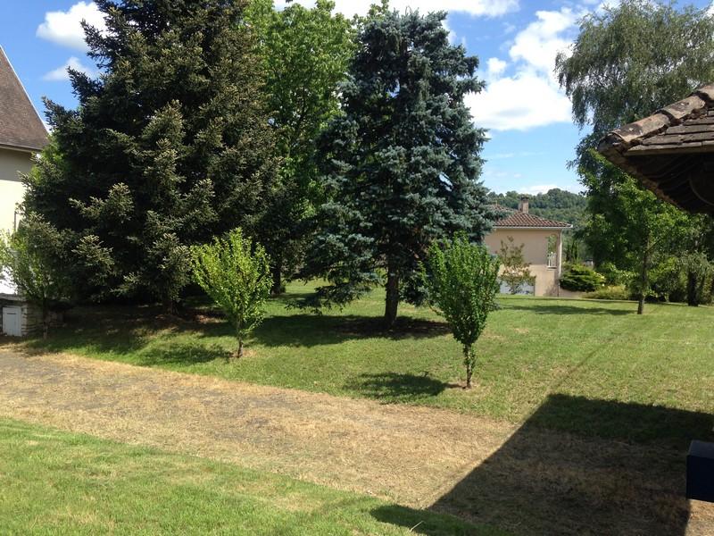 Contrat l 39 ann e entretien jardin for Entretien jardin l union