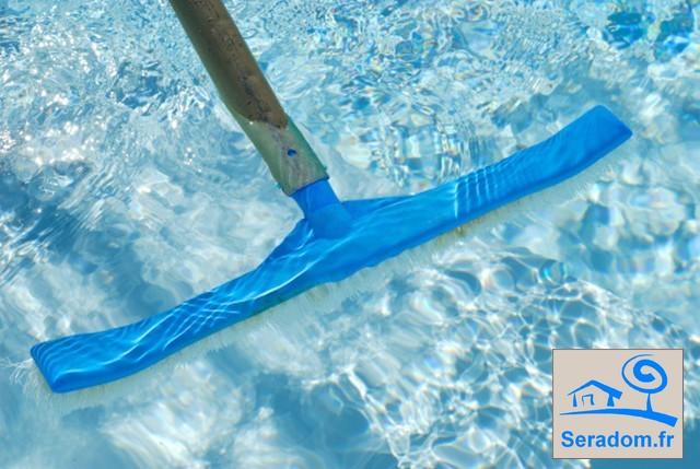 Entretien piscine pas cher secteur figeac for Nettoyage dalle piscine