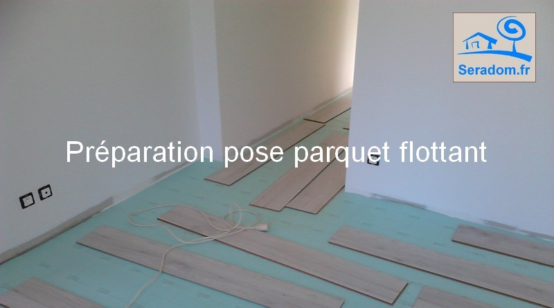 simple pose et poseur de parquet flottant plinthes parquet stratifi with poser un parquet. Black Bedroom Furniture Sets. Home Design Ideas