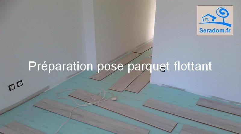 simple pose et poseur de parquet flottant plinthes parquet stratifi with poser un parquet. Black Bedroom Furniture Sets. Home Design Ideas